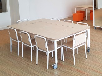 2KICK Combitafel met Themabakken en afdekplaten Gesloten Kinderstoel Industrie Wit Frame