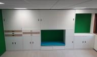 2KICK Kastenwand op maat groen met bureaudeel